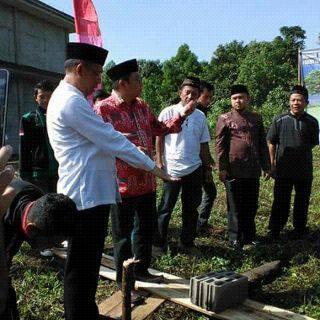 Peletakan batu pertama pembangunan masjid Fakultas Kehutanan Untan pada Sabtu 19 Desember 2015